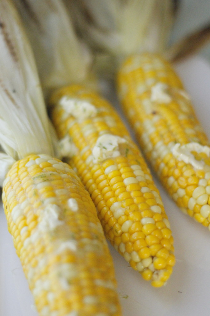 Grilling Corn- My favorite way to cook corn on the cob ...